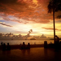 Photo taken at Tanjung Aru 1st Beach by Jae Fatima e. on 5/16/2013
