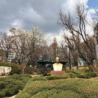 Photo taken at Sungkok Art Museum by JP B. on 4/1/2017