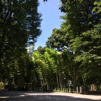 Photo taken at Suzume no Oyado Ryokuchi Park by Satoshi U. on 8/7/2016