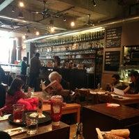 Photo prise au Café Maison du Peuple par Martin D. le2/21/2013
