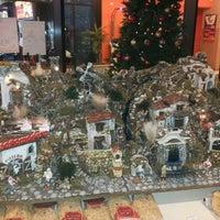 Photo taken at Rossopomodoro by Lorenzo I. on 12/13/2014