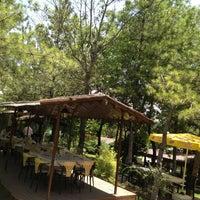 7/5/2013 tarihinde Erdal D.ziyaretçi tarafından Çardak Restaurant'de çekilen fotoğraf