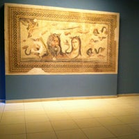 3/23/2013 tarihinde Yaman K.ziyaretçi tarafından Zeugma Mozaik Müzesi'de çekilen fotoğraf