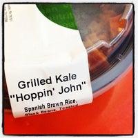 Das Foto wurde bei Snap Kitchen von Leigh B. am 10/31/2013 aufgenommen