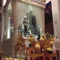 Photo taken at เทวสถาน (โบสถ์พราหมณ์) Dhevasathan (Brahmin Shrines) by Thitaporn C. on 1/3/2017