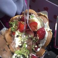 Photo taken at atom waffle by Emrah Ş. on 7/19/2016