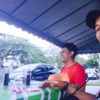 Photo taken at Smokey Road Stall by Faris A. on 11/10/2015