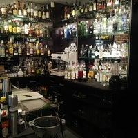 Foto tomada en Capote cocktail.bar por David L. el 5/22/2013