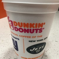 Photo taken at Dunkin' Donuts by Aurea T. on 9/29/2016