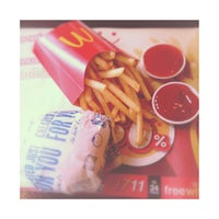 Photo taken at McDonald's & McCafé by Pawenaporn F. on 7/19/2013