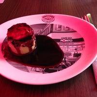 Photo taken at Restaurante Cozinha e Sabor (CAFÉ DO PONTO) by Sílvio G. on 5/7/2013