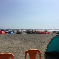 Photo taken at Playa León Dormido by Kenny T. on 2/28/2016