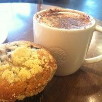 Photo taken at Starbucks by Alfredo C. on 8/13/2013