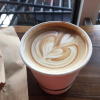 Снимок сделан в Gracenote Coffee пользователем Laura C. 3/3/2017