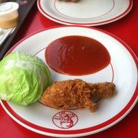 Photo taken at KFC by Iva F. on 5/16/2014