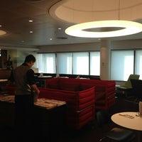 Photo taken at Virgin Atlantic Revivals Lounge by Wayne M. on 5/25/2013