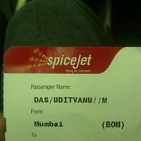Photo taken at SG851 BOM-DEL / SpiceJet by Uditvanu D. on 2/12/2012
