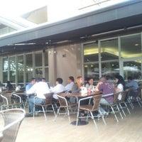 Foto tirada no(a) Padaria La Ville por Antonio Carlos O. em 8/29/2012
