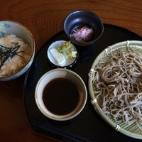 Photo taken at 手打ち蕎麦 おたに家 by Kenny's S. on 11/14/2014