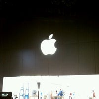 Photo taken at Apple The Domain by Robert E. on 11/6/2012