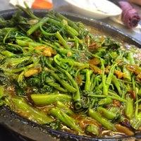 Photo taken at Mandala Chinese Restaurant by Mona F. on 4/2/2017