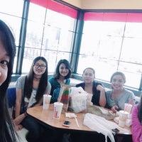 Photo taken at Burger King by Yurianne Kim on 3/28/2016