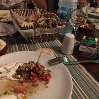 8/29/2017 tarihinde Taner E.ziyaretçi tarafından Olta Balık Restaurant'de çekilen fotoğraf