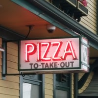 Photo taken at Giordano's Take-out by Erin D. on 7/29/2017