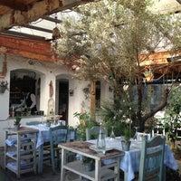 3/10/2013 tarihinde Fatih C.ziyaretçi tarafından Radika Restaurant'de çekilen fotoğraf