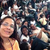 Foto tirada no(a) Lona Cultural de Guadalupe por Ana S. em 8/6/2015
