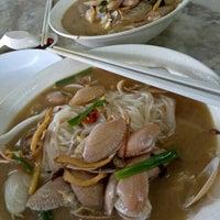 Photo taken at Restoran Lai Foong by ˣᴵᴬᴼ Yᴱᴱ ™ 🌸 小. on 10/12/2016