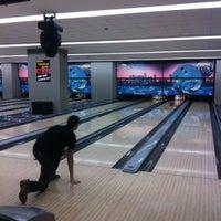 2/17/2013 tarihinde Janset Burak D.ziyaretçi tarafından Rolling Ball Bowling'de çekilen fotoğraf