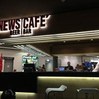 Photo taken at News Café (bar) by Alba G. on 12/20/2015