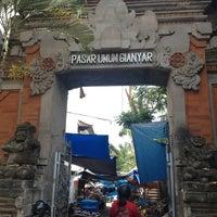 Photo taken at Pasar Senggol Gianyar by Taylor J. C. on 9/27/2013