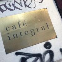 Foto tirada no(a) Café Integral por Jan S. em 12/13/2012
