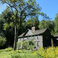 Photo taken at Louisa May Alcott's Orchard House by H. L. on 9/14/2014