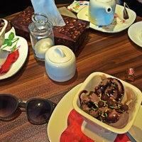 Photo taken at Rozheh Café | كافه روژه by Salva M. on 8/24/2015