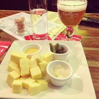 Photo taken at Gollem's Beers & Burgers by Antônio S. on 5/21/2013