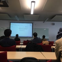 Photo taken at ESLC (Engineering and Science Learning Centre) University of Nottingham by Bella on 3/1/2017