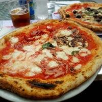 Foto tomada en NAP: Neapolitan Authentic Pizza por Anastasia S. el 8/10/2016