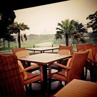 รูปภาพถ่ายที่ Pondok Indah Golf Club House โดย Don J. เมื่อ 1/14/2013