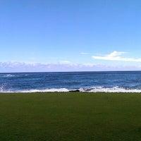 รูปภาพถ่ายที่ Kuhio Shores โดย Phill R. เมื่อ 8/3/2013