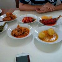 Foto tirada no(a) Simpang Raya, Raja Ayam Pop por Cien M. em 12/9/2015