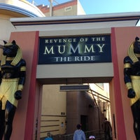 Photo taken at Revenge of the Mummy - The Ride by Raúl H. on 12/15/2012