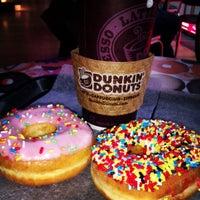 Foto scattata a Dunkin' Donuts da Kathrin E. il 12/2/2012