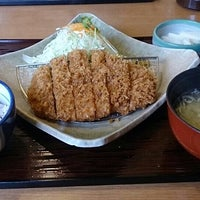 Photo taken at かつ敏 浦和美園店 by あお on 9/6/2015