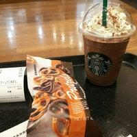 Photo taken at Starbucks by かみい k. on 1/7/2018