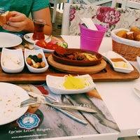 7/17/2015 tarihinde Enis K.ziyaretçi tarafından Alaçatı Muhallebicisi'de çekilen fotoğraf