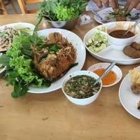 Photo taken at พรแหนมเหนือง by Pokket P. on 7/18/2016