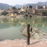 Photo taken at Lakshman Jhula | लक्ष्मण झूला by Elena K. on 2/3/2017